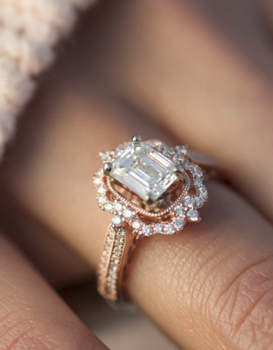 How to Choose an Engagement Ring - We tell you