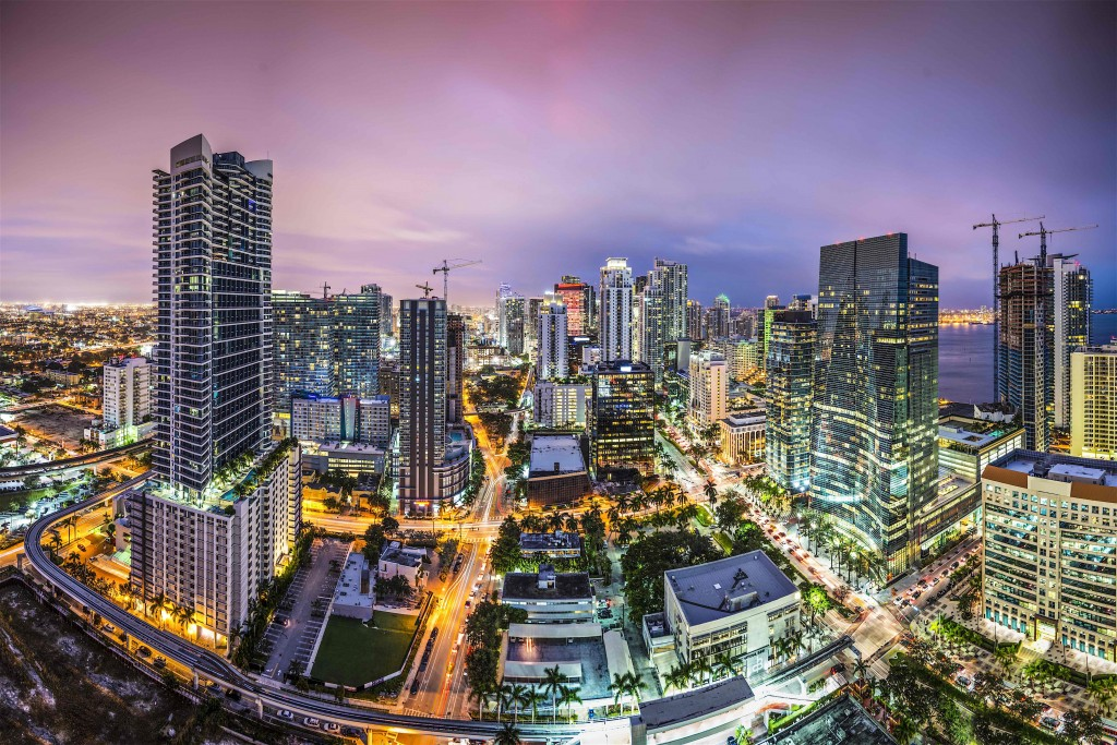 10 Reasons to Invest In the Miami Real Estate Market