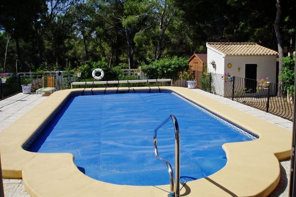X Best Tips To Clean Your Swimming Pool