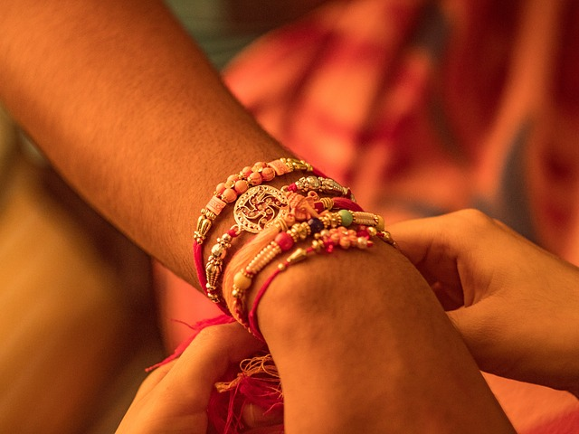 Unusual Rakhi Gifts to Gladden Your Dear Sister This Raksha Bandhan