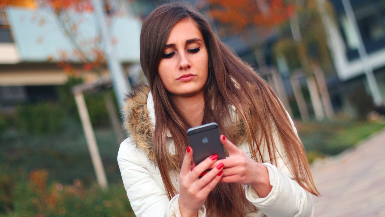 how is text messaging affecting teen literacy