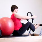 Benefits of Yoga Ball Exercise and Ways to Use It for Beginners