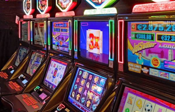 Traditional vs modern slot machines