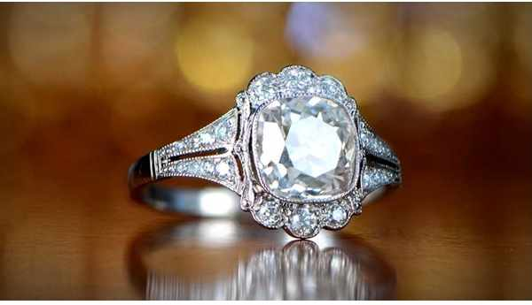 Expert Tips for Buying Jewelry Online from Calgary Jewellery Store