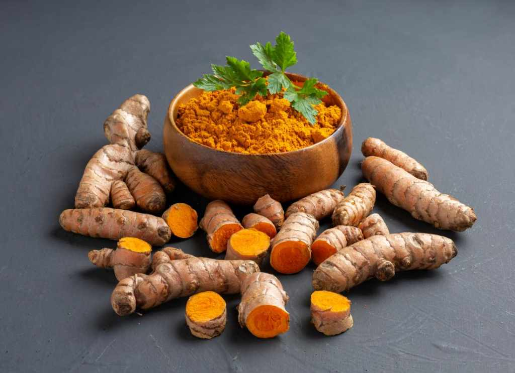 tips for glowing skin with turmeric